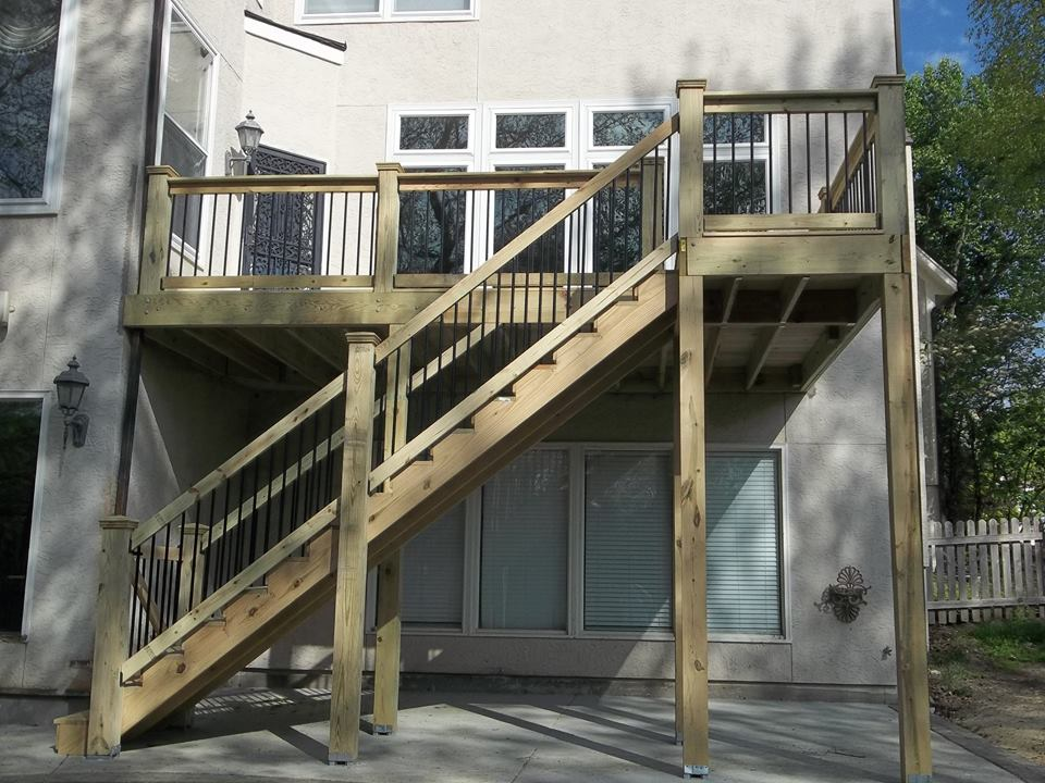 ... Wood Deck Stairs With Gate And Aluminum Spindles | Prime Fence U0026 Deck  Company ...